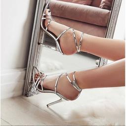 尖頭高跟鞋 細跟鞋 交叉繫帶涼鞋 羅馬涼鞋 金屬色 性感 超高跟 歐美 搭扣 露趾 鏤空 大尺碼 女鞋.2色35-40