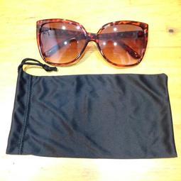 【怡吉棒小舖】Liz Claiborne女性時尚太陽眼鏡