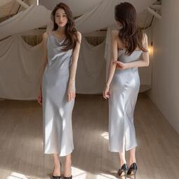 氣質洋裝連身裙正韓版緞面連身裙女性感絲滑蕩領吊帶長裙到腳踝打底內搭度假裙~~可免費開發票 優品百貨