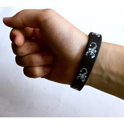 時尚運動手環-暗黑蠍子款