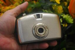 【售】漂亮巴掌大Penti I 半格機估焦Rapid底片相機 有附2個片匣