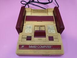 出清價! 網路最便宜 FC 功能完好 紅白任天堂 紅白機 原廠主機 僅賣圖中物品+主機賣900而已 編號2838