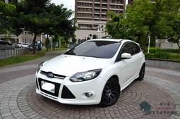【小蓁嚴選】2013年Ford Focus 5D 2.0柴油頂級運動型!電動天窗/I-KEY/定速巡航~配備頂到天!