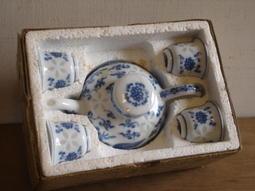 WH1547【四十八號老倉庫】全新  早期  金門陶瓷   米粒茶具組【已售出勿下標】