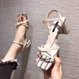 蝴蝶結露趾涼鞋 外穿 時尚 百搭 粗跟 中跟 一字帶女鞋